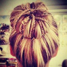 I think this would look so pretty using the Redhead bobby pins, hair ties and bun maker! Who agrees with me? #braided