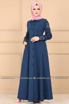 Modern Hijab Fashion, Muslim Women Fashion, Islamic Fashion, Abaya Fashion, Skirt Fashion, Fashion Dresses, Dress Outfits, Hijab Style Dress, Hijab Fashionista