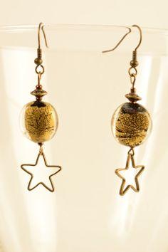 boucles d'oreilles perles style murano et connecteurs étoiles couleurs bronze : Boucles d'oreille par bagbrelbroc
