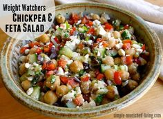 Watchers Chickpea & Feta Salad Weight Watchers Chickpea & Feta Salad Recipe - with just 4 Points Plus. Simple Nourished LivingWeight Watchers Chickpea & Feta Salad Recipe - with just 4 Points Plus. Weight Watchers Salat, Weight Watchers Vegetarian, Weight Watchers Lunches, Weight Watchers Points Plus, Easy Salad Recipes, Ww Recipes, Vegetarian Recipes, Cooking Recipes, Healthy Recipes