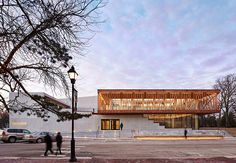 studio gang clads writers theatre near chicago with timber lattice