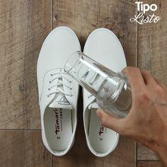 11 trucos para zapatos y pies Shoe Crafts, Diy Home Crafts, Ways To Lace Shoes, Creative Shoes, Clothing Hacks, Painted Shoes, Sewing Hacks, Diy Clothes, Tricks
