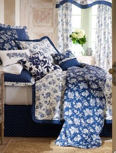 Pin By Lola On Blue White Blue And White Bedding Blue White