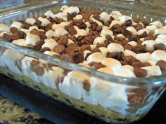 Need a quick and easy dessert - S'more Bars @Sara Johnson (DeVol) lets make this friday!!!