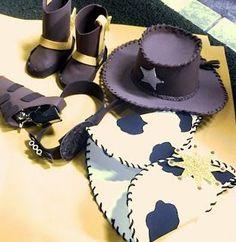 Cumple Toy Story, Festa Toy Story, Boy Costumes, Halloween Costumes, Sombrero Cowboy, Anniversaire Cow-boy, Barbie Und Ken, Woody Costume, Cowboy Crafts