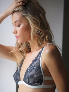 dd9450bd0 Intimately Take The Plunge Soft Bra at Free People Clothing Boutique  Costura De Lingerie