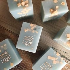 L eau another new design for this sunday s market handmade soap kylablakehandmade savon faitmain Soap Making Recipes, Homemade Soap Recipes, Best Wedding Favors, Wedding Gifts, Handmade Wedding, Event Planning Guide, Diy Savon, Do It Yourself Inspiration, Best Soap
