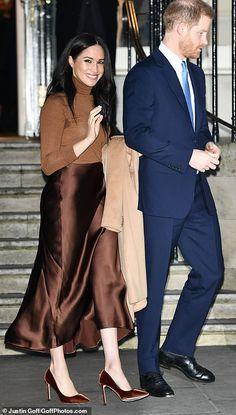 Prince Harry and Meghan return to royal duty at Canada's London HQ Prince Harry and Meghan return to royal duty at Canada's London HQ,Meghan Markle and Harry Prince Harry And Megan, Harry And Meghan, Duke And Duchess, Duchess Of Cambridge, Prinz Harry Meghan Markle, Meghan Markle Stil, Satin Midi Skirt, Couple Running, Princesa Diana