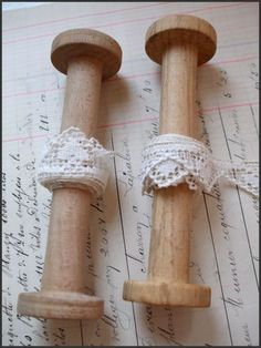 bobines dentelles Thread Spools, Linens And Lace, Bobbin Lace, Isabelle, Blog, Sewing, Crochet, Photos, Lace