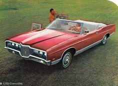 Via vintage everyday: Interesting Photos of Vintage Car Ads from to - Editorial - 1971 Ford LTD Convertible Ford Ltd, American Classic Cars, Ford Classic Cars, Classic Auto, Retro Cars, Vintage Cars, Vintage Ideas, Vintage Auto, Vintage Stuff