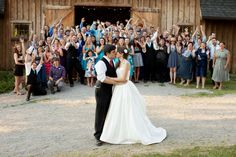 wedding photo ideas // take a photo with your guests