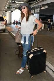Resultado de imagen de pinterest moda en sombreros ropa de viaje.