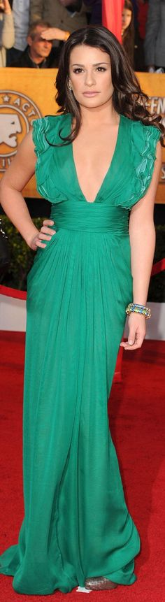Farb-und Stilberatung mit www.farben-reich.com Lea Michele - red carpet dress #green
