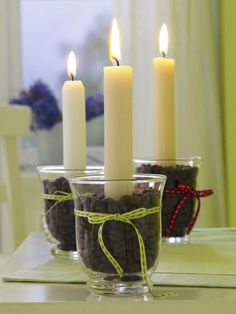 You can use any shape vase. use the square block, then even a shorter candle.the candle heats up the nice candle aroma or can use flavored coffee beans for another idea. Best Candles, Diy Candles, Pillar Candles, Decorating Candles, Coffee Bean Candle, Coffee Beans, Candle In The Wind, Deco Table, Candle Lanterns
