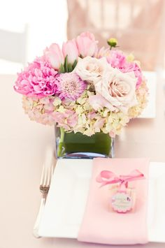 Google Image Result for http://s6.weddbook.com/t4/9/0/3/903257/centerpieces.jpg