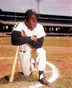 Chicago Baseball, White Sox Baseball, Chicago White Sox, Pro Baseball, Famous Baseball Players, Mlb Players, Cuba, Negro League Baseball, Willie Mays