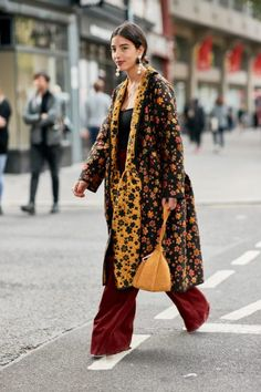 Fashion Week Spring/Summer 2019 Part 4 - The Style Stalker - Street Style by Szymon Brzóska Top Street Style, Street Chic, Street Beat, Boho Fashion, Autumn Fashion, London Fashion, Scandinavian Fashion, Spring Couture, Fashion Capsule