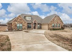 Beautiful 4 BR, 2 1/2 Bath home 5 mins from Weatherford High School in quiet neighborhood.