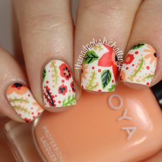 """After almost two months (!!), I finally have another #31DC2 mani for you guys! I did this floral pattern nail art inspired by a beautiful design by @charuca  This is for the """"intricate"""" prompt, and it's about as intricate as I will ever get, haha!  Check out my blog for more details and the names of the polishes I used, and don't forget to follow the incredibly talented @willpaintnailsforfood and @wondrouslypolished to see their challenge manicures - I'm sure their intricate nails will be…"""