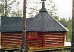 Finse kota Sauna cabin Natural Materials, Natural Wood, Table D Hote, Metal Grill, Small Porches, How To Make Fire, Turn Blue, Roof Colors, Large Crowd