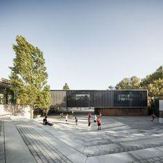 Thau st Cugat School, Sant Cugat del Vallès, Catalonia, Spain by Batlle i Roig arquitectes