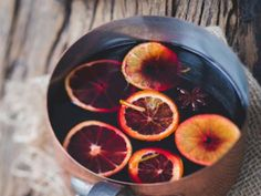 Mulled Juices are a brilliant non-alcoholic version of mulled wine. Perfect for those pregnant or driving at Christmas time. All the lovely spices of mulled wine in a hot, spice infused, fruity drink. Non Alcoholic Mulled Wine, Alcoholic Cocktails, Cocktails For Parties, Winter Drink, Gin Recipes, Cocktail Recipes, Free Recipes, Spiced Cider, Drink Recipes