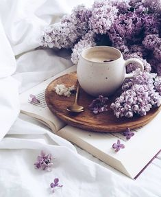 Lillac Purple flowers Coffee Flatlay style Morning coffee VSCO Coffee and a book Book And Coffee, Coffee In Bed, Coffee And Books, Coffee Art, Coffee Break, Coffee Time, Coffee Drawing, Coffee Photography, Food Photography
