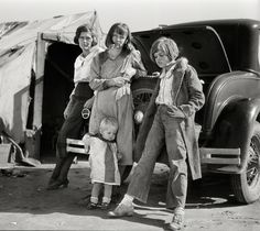 24hoursinthelifeofawoman:  Dust Bowl migrants photographed by Dorothea Langefor the Farm Security Administration, Feb.1936.