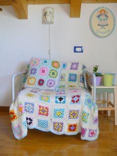 granny square crochet blanket & pillow