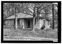 The story of Lustron house #549 — including 38-page booklet chronicling its disassembly.