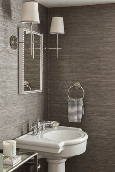 12 Smart Ways to Style Textured Wallpaper   StyleCaster