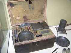 George Washington's personal camp chest used during the Revolutionary War, Photo: American History Museum, Smithsonian American Presidents, American Civil War, American Independence, George Washington Facts, American History Museum, Continental Army, Campaign Furniture, American Revolutionary War, Colonial America