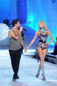 Victoria's Secret Fashion Show 2011, Maroon 5's Adam Levine and Anne Vyalitsyna - lauraandreakell.blogspot.com