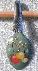 Painted Spoon Ornaments - ~Audiz Creations~ Painted Christmas Ornaments, Christmas Wood, Primitive Christmas, Christmas Decorations, Hand Painted Ornaments, Cheap Christmas Gifts, Easy Christmas Crafts, Homemade Christmas Gifts, Spoon Ornaments