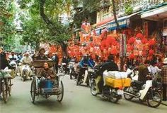 In the Autummn Festival- The middle of August , there are many Festival decorations are shold at the Hang Ma streest