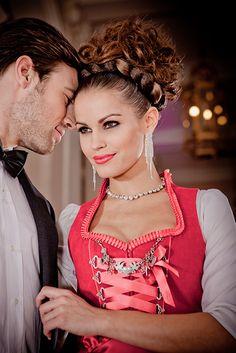 Farb- und Stilberatung mit www.farben-reich.com # silk & pearls / Trachtenmode & Designerdirndl