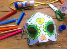 Whether it is cardboard, paper bags or tin foil, these paper mask designs will inspire your creativity. See all 30 ideas and tutorials.
