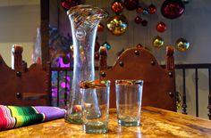 No Mas! original hand blown confetti edge pitcher and margarita glasses