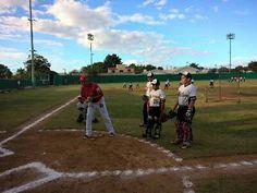 La primera visita a las escuelas de béisbol se dio en la llamada Delfines de Campeche, los instructores de los Piratas de Campeche, Mario Su...