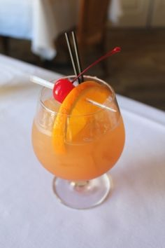 Cajun Storm: Spiced rum and passion fruit juice will blow you away. Mardi Gras Drinks, Mardi Gras Food, Mardi Gras Party, Bar Drinks, Cocktail Drinks, Cocktail Recipes, Drink Recipes, Coffe Drinks, Fruity Cocktails