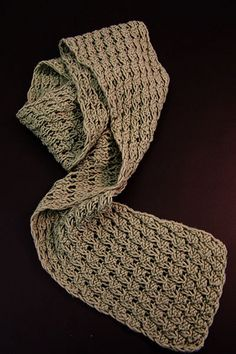 Free Pattern: Berry Stitch Scarf by Darilyn Page