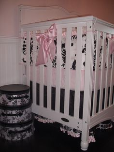 Black and white nursery with pink