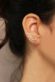 Gold flower ear cuff and stud