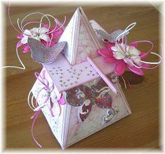 Pyramid card