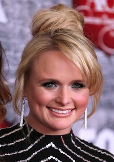 "Editor's video pick: Miranda Lambert ""Mama's Broken Heart"""