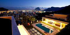 Παλάτια και παράγκες: Ένας πλανήτης… άνισος Ρίο, Βραζιλία Mansions, House Styles, Outdoor Decor, Home Decor, Mansion Houses, Room Decor, Mansion, Home Interior Design, Decoration Home