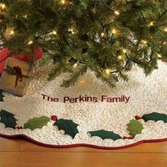 1000 images about christmas tree skirt on pinterest tree skirts christmas tree skirts and. Black Bedroom Furniture Sets. Home Design Ideas