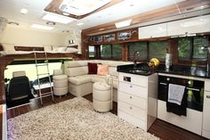 3 Luxurious Horseboxes for the Equestrian Rockstar Horse Box Conversion, Cool Rvs, Funny Horses, Camper Interior, Horse Trailers, Rv Campers, Rv Parks, My Ride, Travel Style