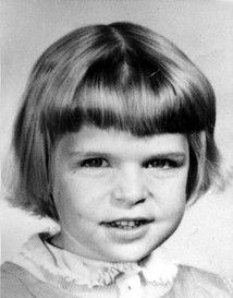 5 year old Doreen Heskett was walking back home after her playmate when she was sadly abducted and murdered on on Mar. Her bones were discovered three miles south in a town near a dairy farm nine months later. Sadly her murderer is still unknown. Child Abduction Stories, Cold Case, Murder Mysteries, Why People, Heart For Kids, Criminal Minds, 5 Year Olds, Serial Killers, True Crime