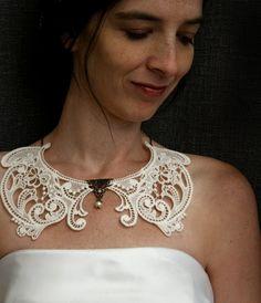 lace collar necklace CLARABETH vintage ivory ...tinaevarenee on Etsy